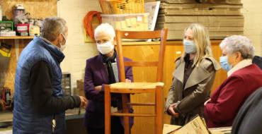 La Ministre déléguée chargée de l'insertion visite la recyclerie de Poix-de-Picardie